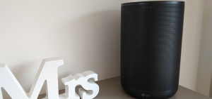 Review LG WK7 ThinQ smart speaker